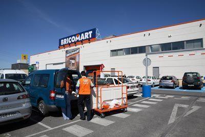 Bricomart crear cien puestos de trabajo en santiago de for Jardineria bricomart